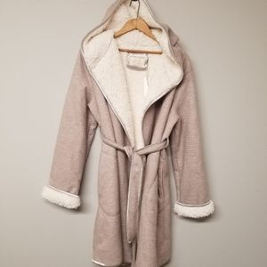 Anthropologie Hooded Sherpa Robe size xs/s NWT